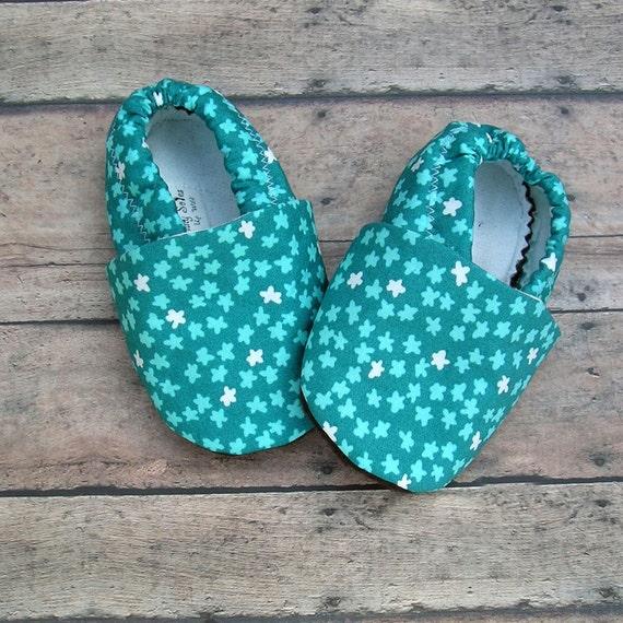 Sale - 12 to 18 months Teal Organic Baby Shoes Unisex Aqua and Cream Stars and Organic Sweatshirt Fleece lining Boy or Girl