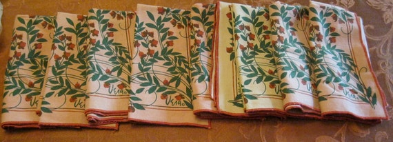 Vera Napkins set of 9, Flowers, Holiday Napkins, Christmas