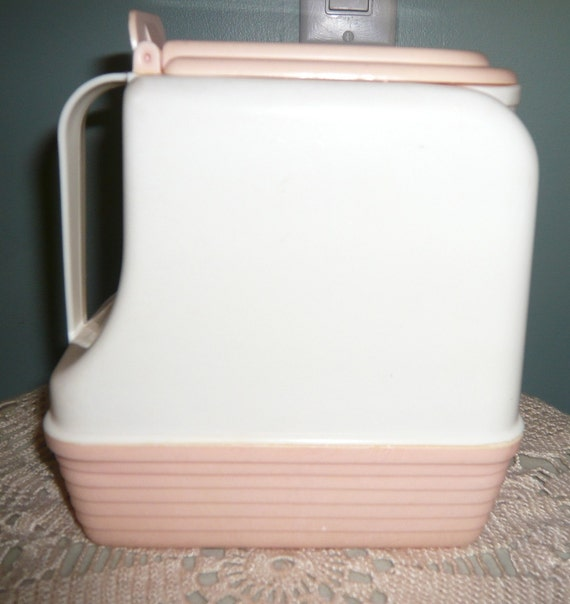 Pink Pitcher/Lustro Ware/ Plastic/Pink and White with Lid.Collectable/Rare for Pink
