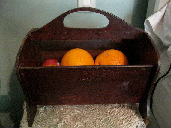Gorgeous Wooden Basket / Primitive Box / Arts and Crafts Basket / Sewing