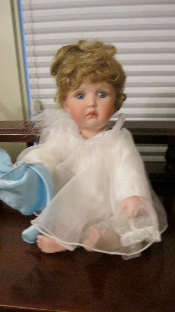 Doll Porcelain Angel Heavenly Inspirations Ashton Drake big blue eyes, white with angel wings holding blue hanky
