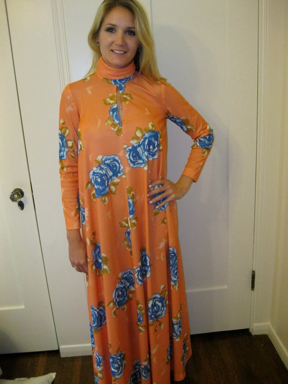 70s Hostess Gown // Glamour Robe / Orange Blue Lounging Outift / Elegant Housewife