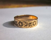 Antique Victorian Flower and Leaves Rose Gold Wedding Band