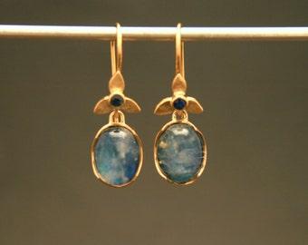 "18kt Gold Moonstone ""Iris"" Earrings // Yellow Gold Sapphire Moonstone Earrings"