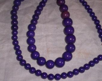 vintage necklace purple beads lucite