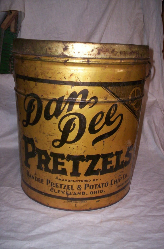 huge vintage dan dee pretzel tin can advertising