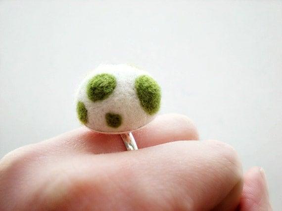 Green and White Mushroom Felt Ring - Needle Felted Spot Ring