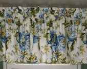 Gorgeous Vintage Kitchen Valance . Big Blue Cabbage Roses . Avocado Green Leaves . Extra Nice