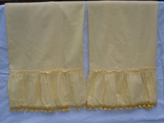 Kitchen Curtains Bright Yellow With Pompoms Vintage 1960s