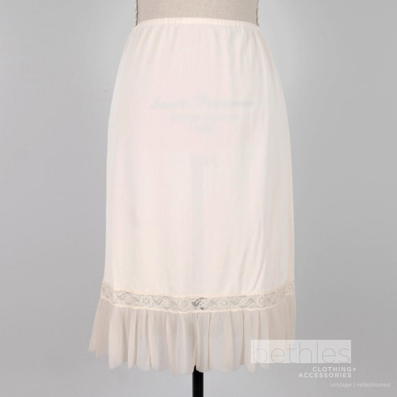 Buff Half Slip with Lace and Plissé Hem Vintage 60s Kayser Luxite
