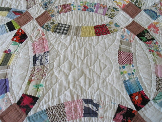 Vintage Handstitched Double Wedding Ring Quilt  with Provenance 1925