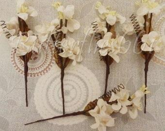 5 Handmade Mulberry Paper Flowers White  Spray  Code 151