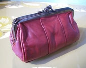 LEATHER  romantic wallet,clutch, make up bag ,purse in dark RED. Monedero, neceser romántico en piel ROJO oscuro