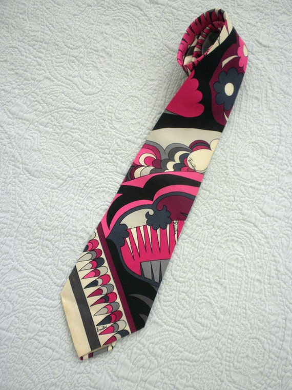 FLASH Sale ends Tuesday. 60s Pucci Mens Tie / 3 1/2 inch / Silk Made for Saks / Yellow Submarine Patterns / Pucci Print