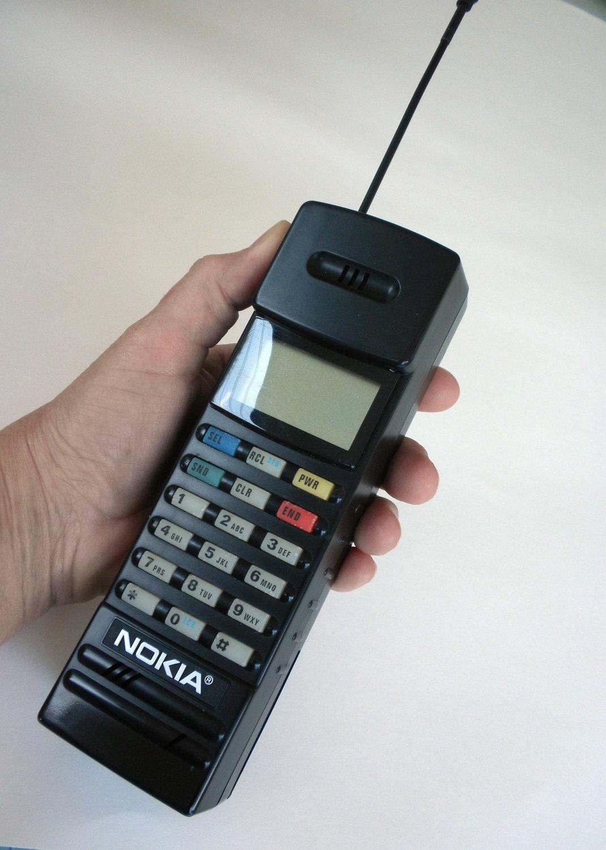 1990 nokia brick phone pt612    black 90s brick phone    90s