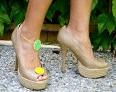 SALE Bright green yellow shoe clip with anklet