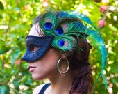 Masquerade Stunning Venetian style black mask with double sided peacock feathers