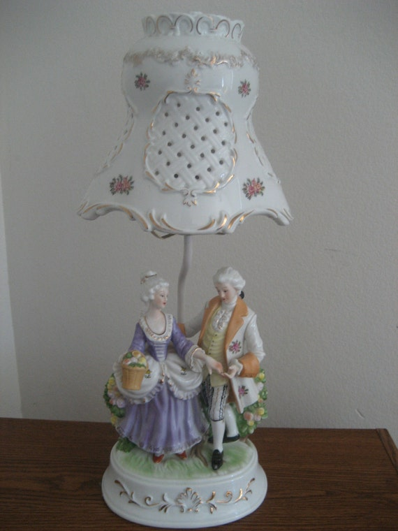Vintage Victorian Colonial Couple Porcelain Pottery Lamp