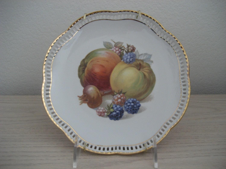 schumann arzberg germany bavaria motif plate apples. Black Bedroom Furniture Sets. Home Design Ideas