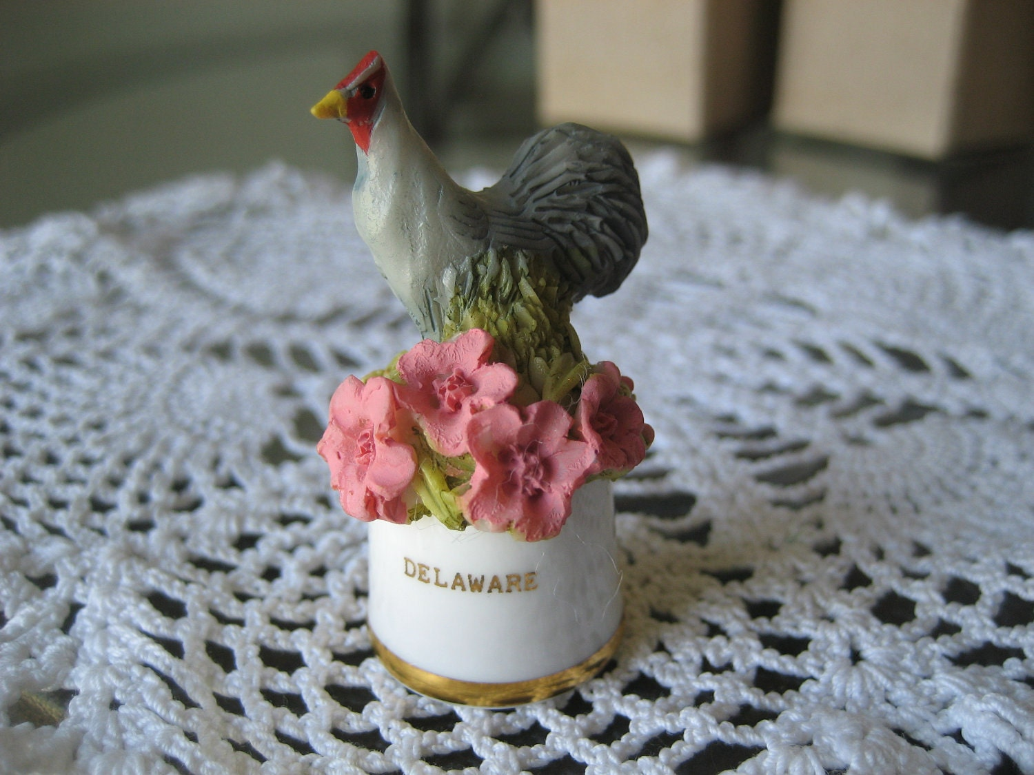 Vintage Delaware State Bird and Flower Thimble Sutherland