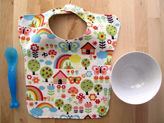 Baby bib toddler, lovely print. Large, soft and resistant. Ideal for daycare.
