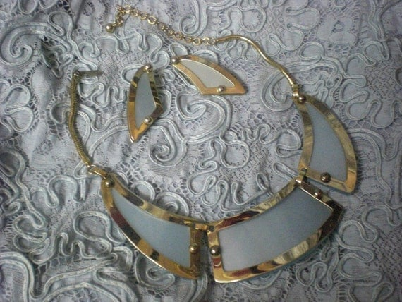 1960 Leru Necklace and Earrings