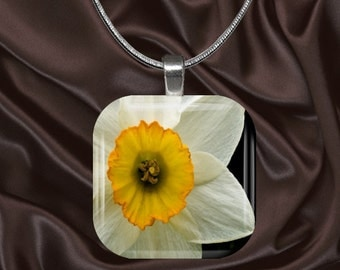 Daffodil Glass Tile Pendant with chain(CusFl1.7)