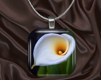 Calla Lily Glass tile Pendant with chain(CuFl21.2)