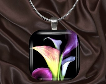 Calla Lily Glass Tile Pendant with chain(CuFl22.5)