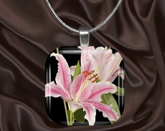 Pink Lily Glass tile Pendant with chain(CuFl23.1)