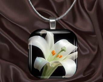 White Lily Glass Tile Pendant with chain(CuFl23.2)