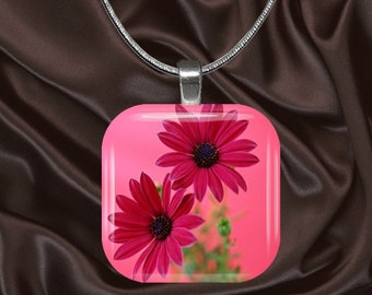 Bright  Pink Daisy Glass Tile Pendant with chain(CuFl6.1)
