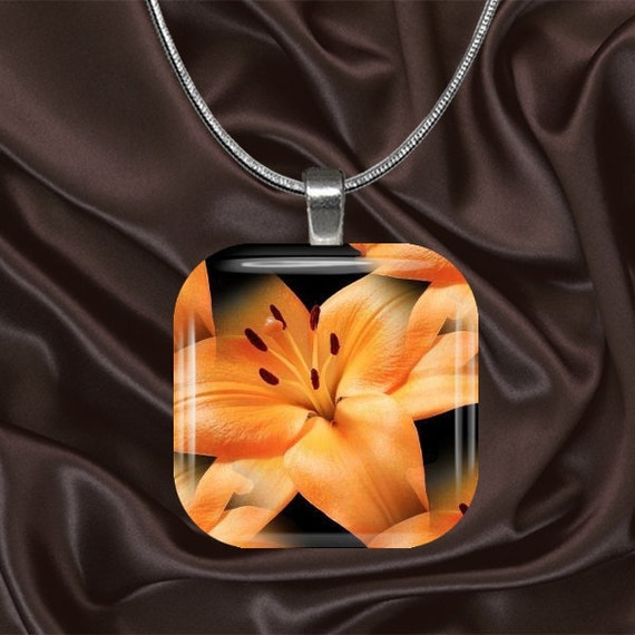 Tiger Lily Glass Tile Pendant with chain(CusFl22.1)