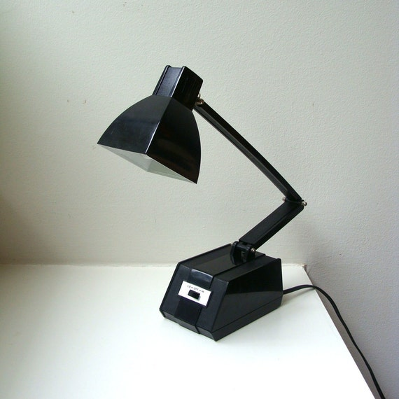 Mid Century Mod Black Desk Lamp Expandable Adjustable
