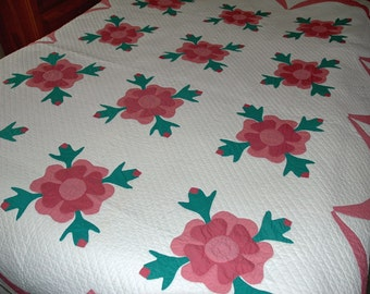 Vintage Rose of Sharon Applique Quilt - Scalloped Edge