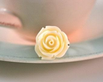 Rose Ring -Creamy White