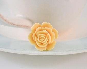 Majestic Rose Ring- Ivory