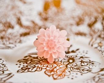 Luminous Chrysanthemum Ring - Baby Pink