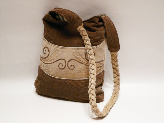 Smiling Haversack Women Shoulderbag Brown and Beige corduroy fabric with ornamental motif