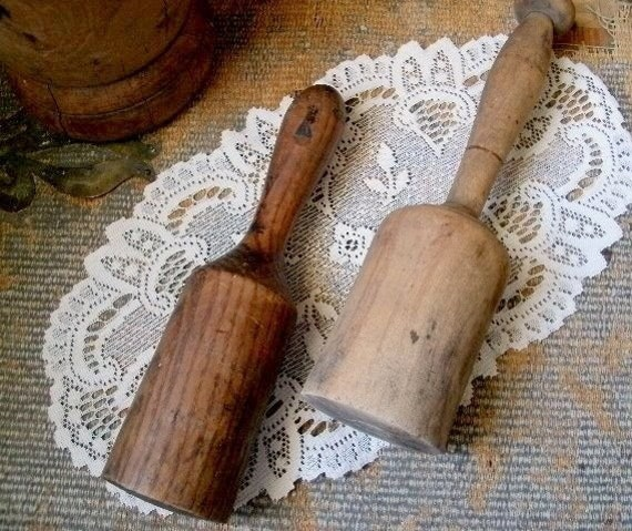 Wood Pestles Farmhouse Kitchen