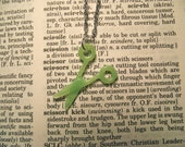 Vintage 1950s Scissors Necklace Green FREE SHIPPING (to USA)
