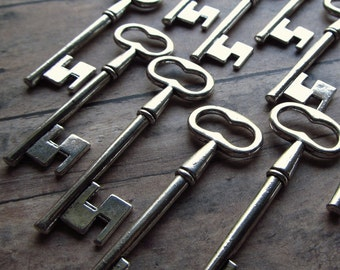 Braemar Antique Silver Skeleton Key - Set of 10