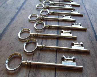 Tully Antique Silver Skeleton Key - Set of 10