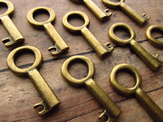 Skipsea Antique Brass/Bronze Skeleton Key - Set of 10