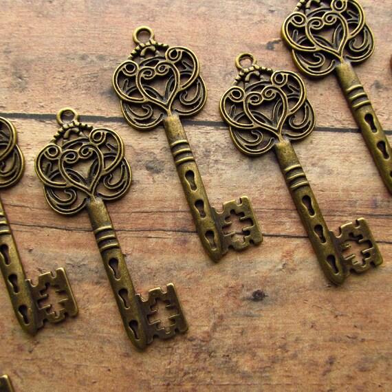 Super SALE - Clare Antique Bronze/Brass Skeleton Key  - Set of 10