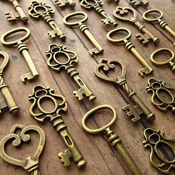 The Hollingworth Wedding Collection - 100 Medium Size Skeleton Keys in Antique Bronze