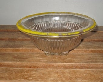 Chippy Yellow Paint Farm House Glass Mixing Bowl