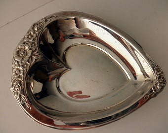 vintage silverplate heart dish- International Silver Co.-ornate-candy-floral