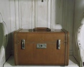 Vintage Royal Traveller Train Case