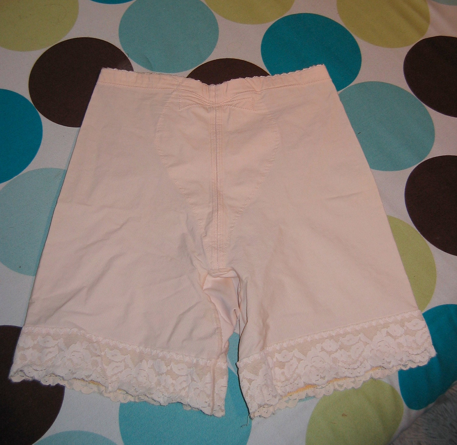 1960's Sexy Vintage Girdle. Size Medium. Nylon And